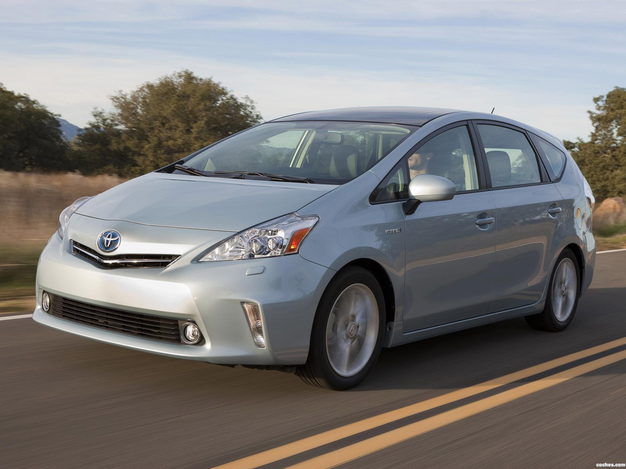 Foto 0 de Toyota Prius V 2011