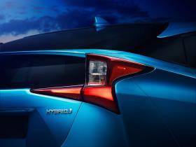 Ver foto 3 de Toyota Prius AWD-e 2019