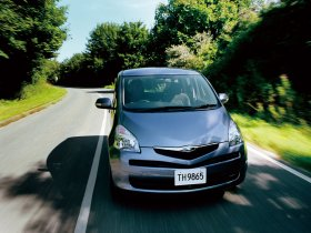 Ver foto 7 de Toyota Ractis 2005