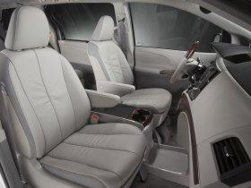 Ver foto 18 de Toyota Sienna 2010