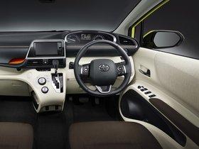Ver foto 7 de Toyota Sienta  2015