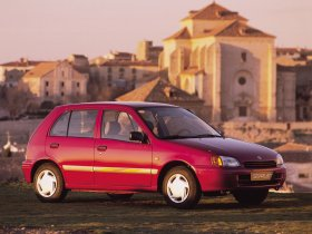 Ver foto 5 de Toyota Starlet 1996