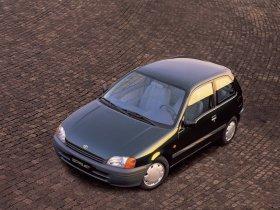 Ver foto 3 de Toyota Starlet 1996
