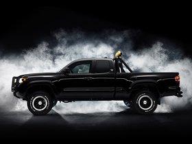Ver foto 2 de Toyota Tacoma Back To The Future Concept 2015