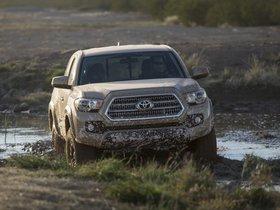 Ver foto 1 de Toyota Tacoma TRD Off Road Access Cab 2015