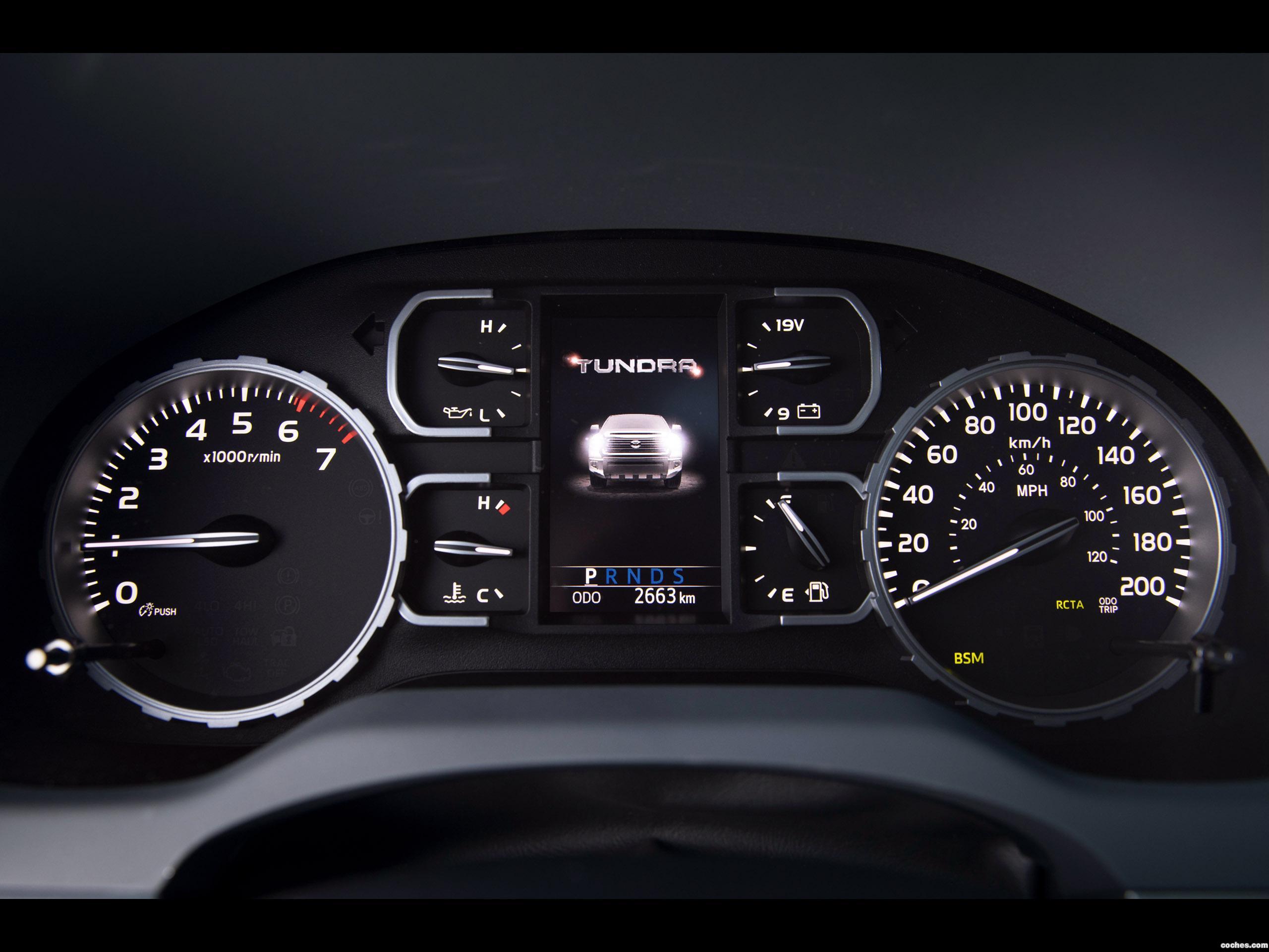 Foto 15 de Toyota Tundra Platinum Crewmax  2017