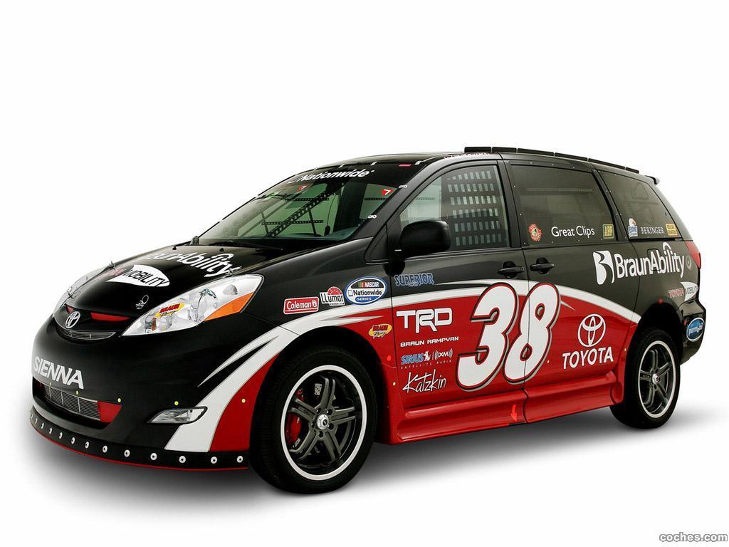 Foto 0 de Toyota Ultimate NASCAR Fan Sienna Rampvan Concept 2008