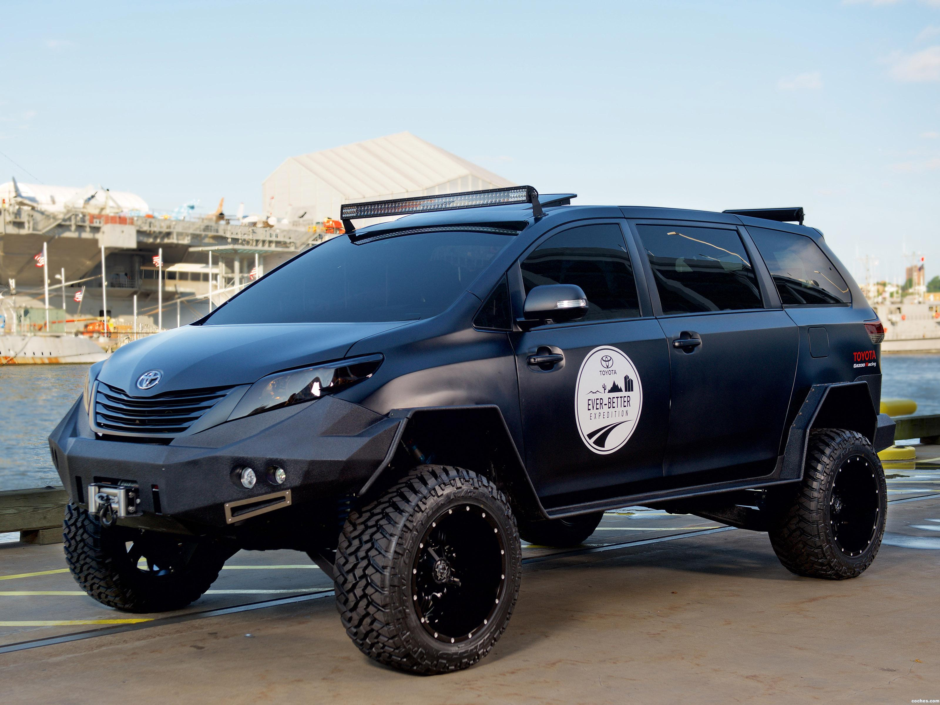 Foto 0 de Toyota Ultimate Utility Vehicle  2015