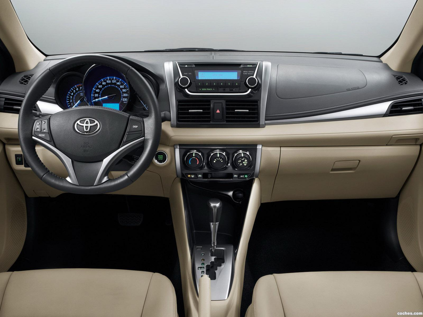 Foto 2 de Toyota Vios China 2013