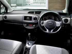 Ver foto 11 de Toyota Vitz 2011