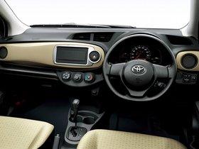 Ver foto 10 de Toyota Vitz 2011