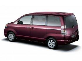 Ver foto 4 de Toyota Voxy 2001