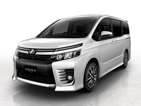 Ver foto 1 de Toyota Voxy Concept 2013