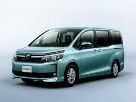 Ver foto 2 de Toyota Voxy V 2014