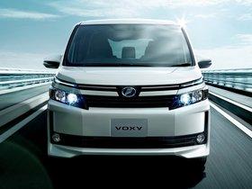 Ver foto 1 de Toyota Voxy V 2014