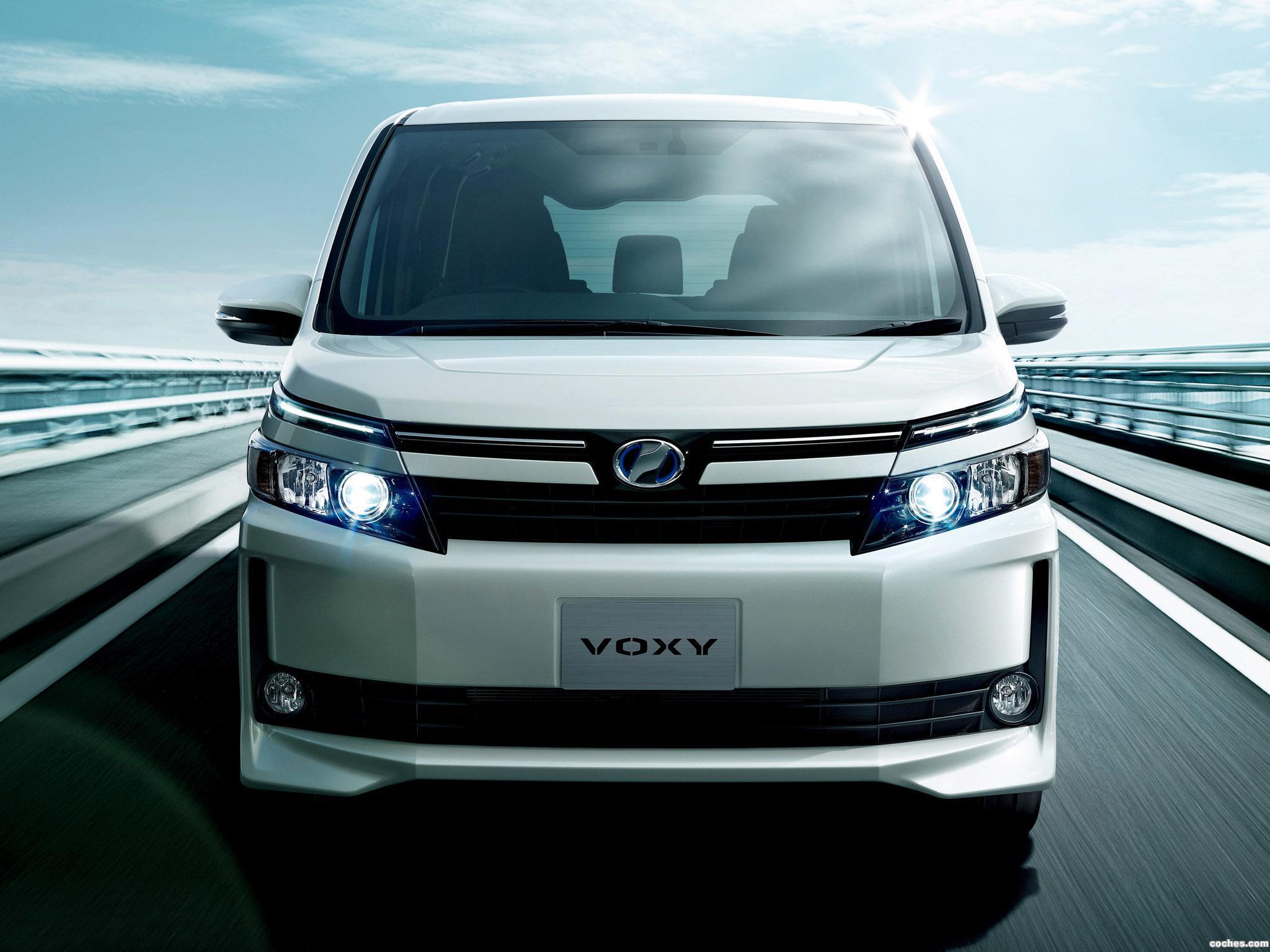 Foto 0 de Toyota Voxy V 2014