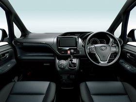 Ver foto 2 de Toyota Voxy X 2014