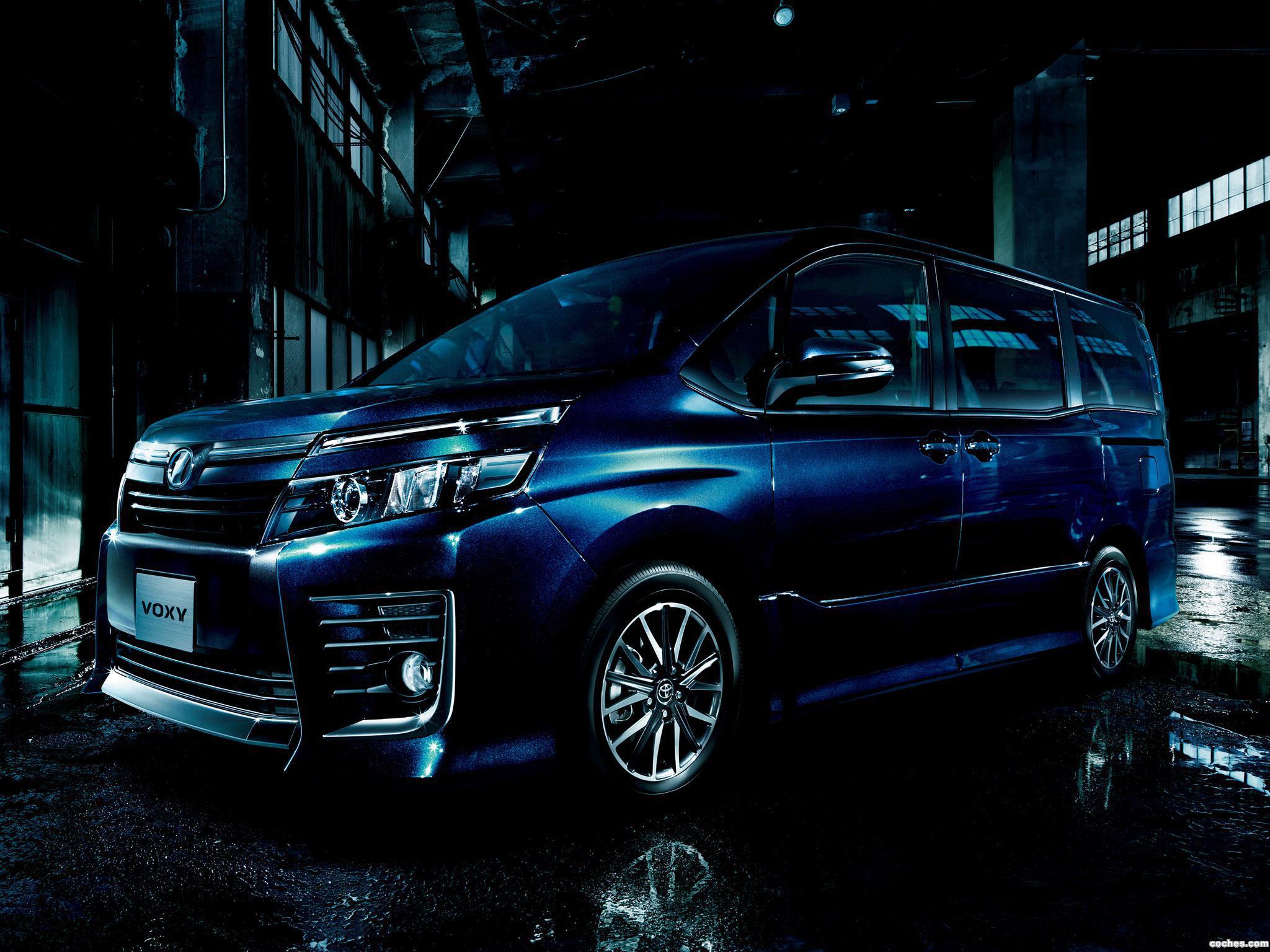 Foto 0 de Toyota Voxy ZS 2014