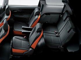 Ver foto 3 de Toyota Wish 2.0Z 2012