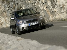Ver foto 23 de Toyota Yaris 2003