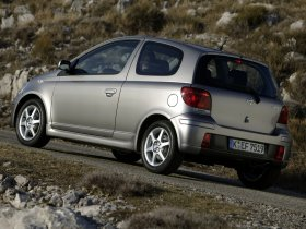 Ver foto 18 de Toyota Yaris 2003