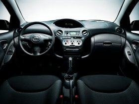 Ver foto 34 de Toyota Yaris 2003