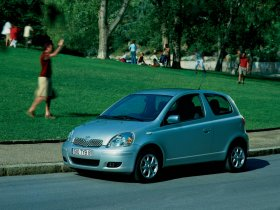 Ver foto 4 de Toyota Yaris 2003