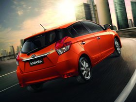 Ver foto 2 de Toyota Yaris 2013