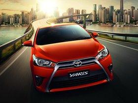 Ver foto 1 de Toyota Yaris 2013