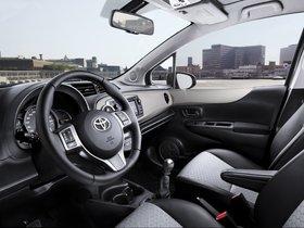 Ver foto 22 de Toyota Yaris 5 puertas 2011