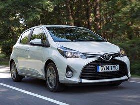 Ver foto 2 de Toyota Yaris 5 puertas UK 2014