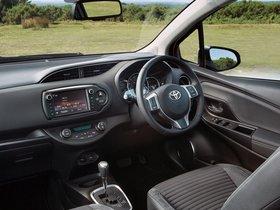 Ver foto 18 de Toyota Yaris 5 puertas UK 2014
