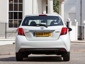 Ver foto 12 de Toyota Yaris 5 puertas UK 2014