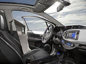 Ver foto 22 de Toyota Yaris Hybrid 2012