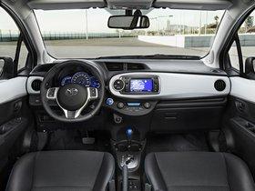 Ver foto 19 de Toyota Yaris Hybrid 2012