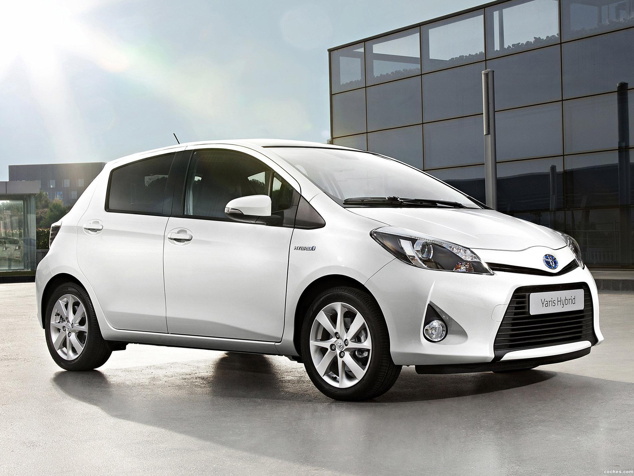 Foto 0 de Toyota Yaris Hybrid 2012