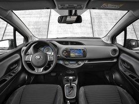 Ver foto 8 de Toyota Yaris Hybrid 2014