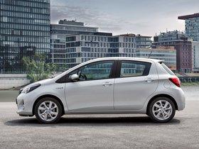 Ver foto 2 de Toyota Yaris Hybrid 2014