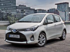 Ver foto 1 de Toyota Yaris Hybrid 2014