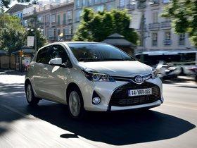 Ver foto 18 de Toyota Yaris Hybrid 2014