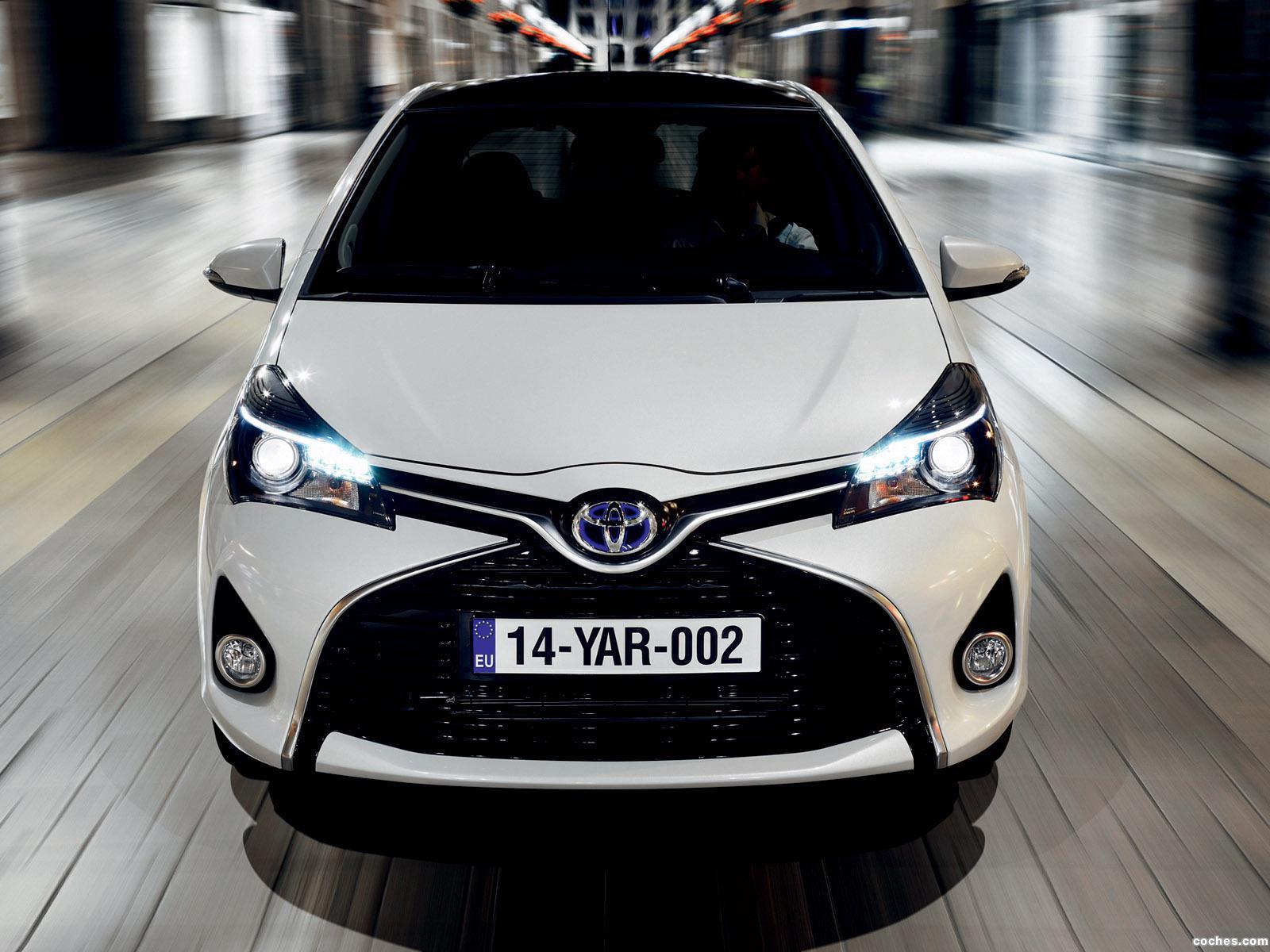 Foto 10 de Toyota Yaris Hybrid 2014