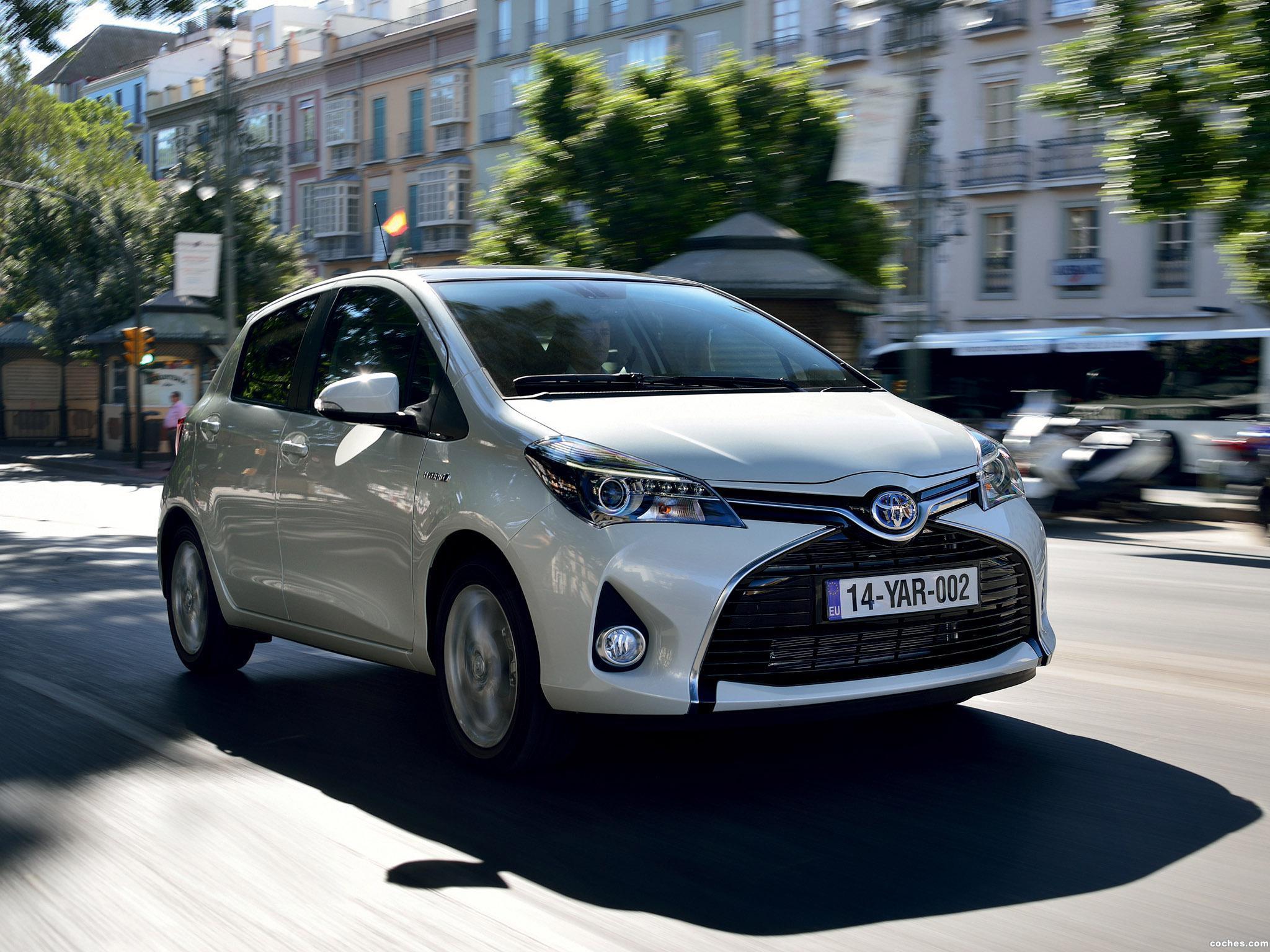 Foto 17 de Toyota Yaris Hybrid 2014