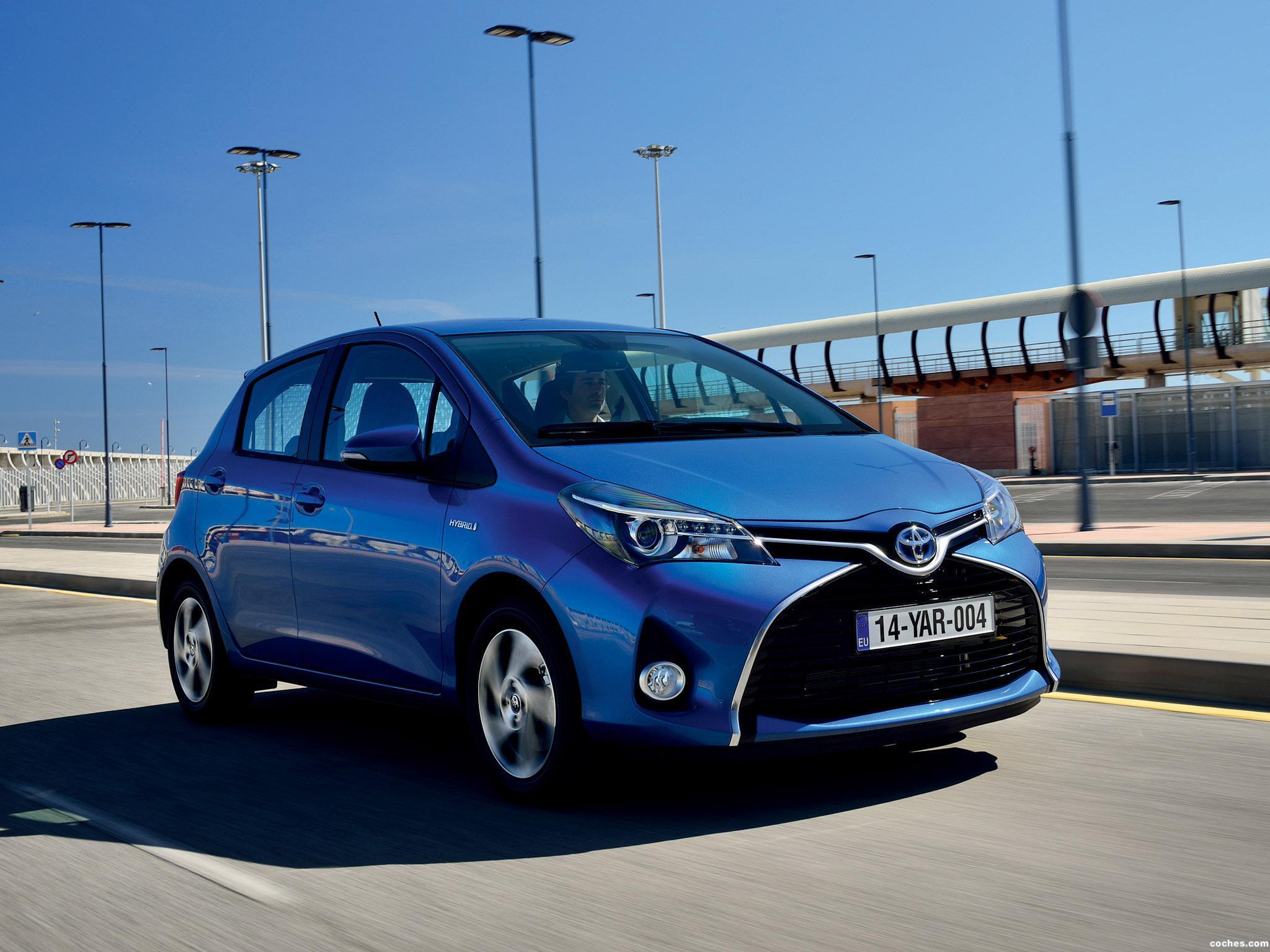 Foto 14 de Toyota Yaris Hybrid 2014