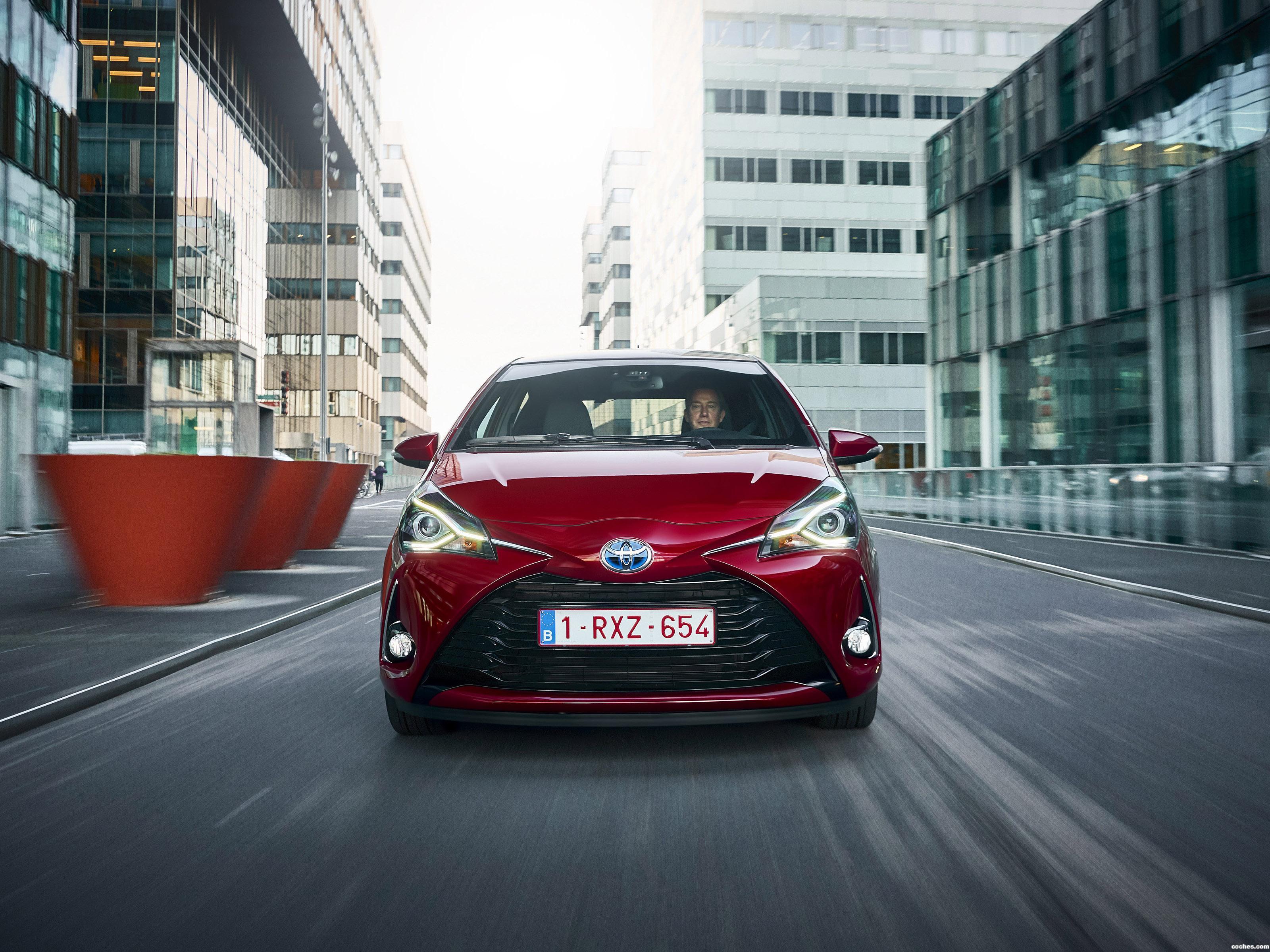 Foto 3 de Toyota Yaris Hybrid 2017 2017