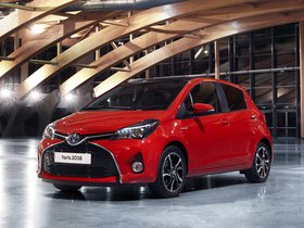 Ver foto 1 de Toyota Yaris Hybrid Style  2015