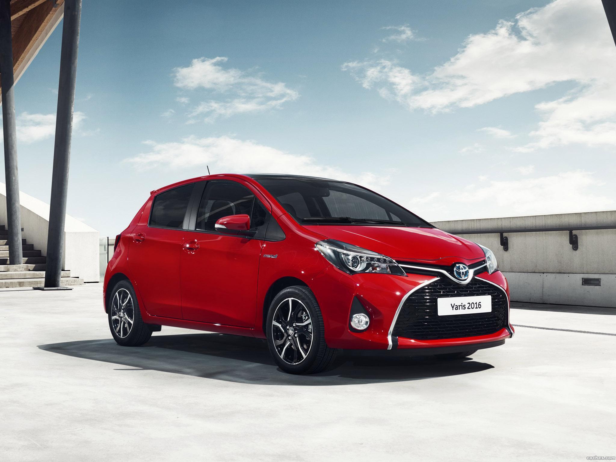 Foto 2 de Toyota Yaris Hybrid Style  2015