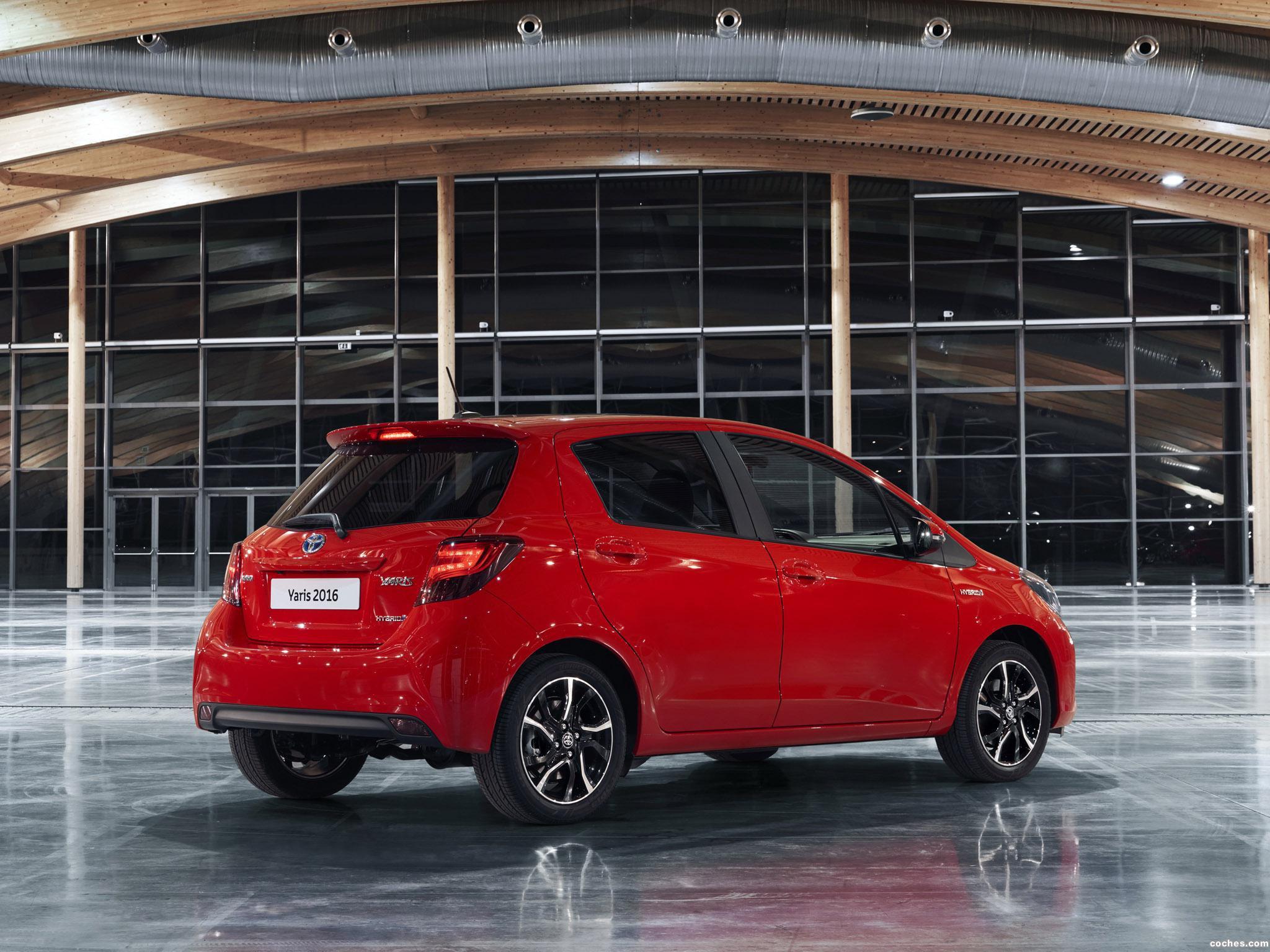 Foto 1 de Toyota Yaris Hybrid Style  2015