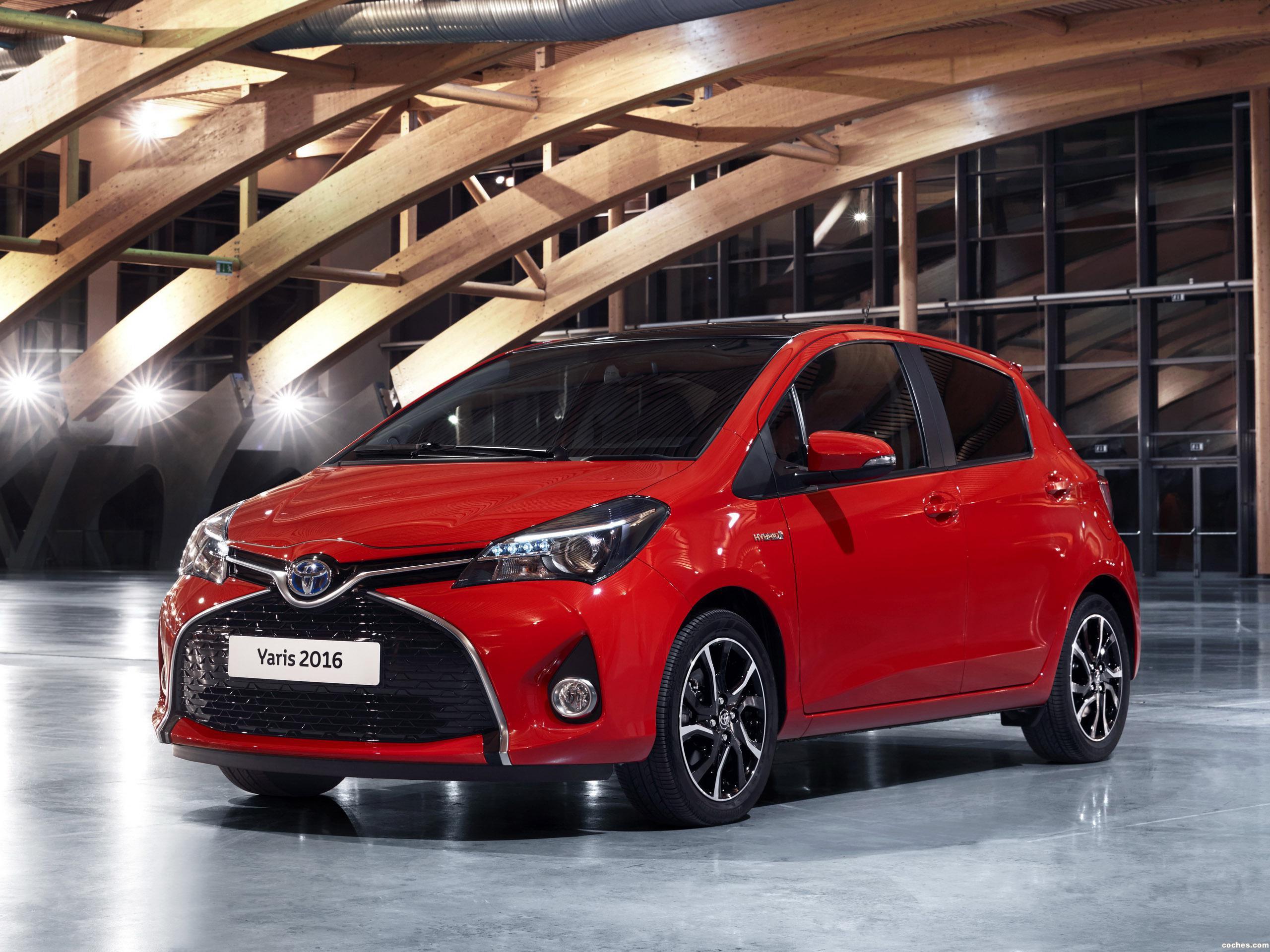 Foto 0 de Toyota Yaris Hybrid Style  2015