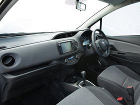 Ver foto 2 de Toyota Yaris Hybrid UK 2015