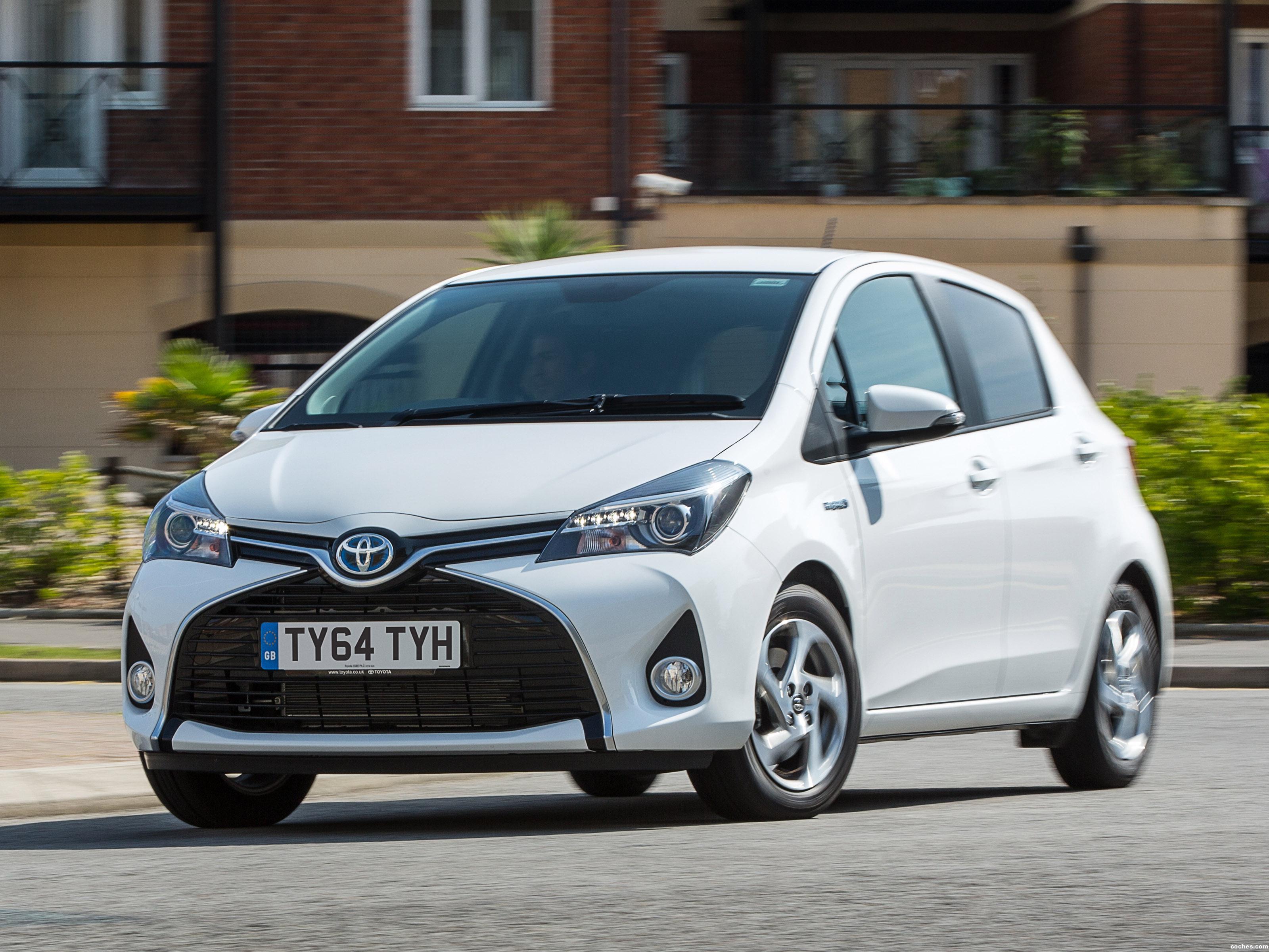 Foto 0 de Toyota Yaris Hybrid UK 2015